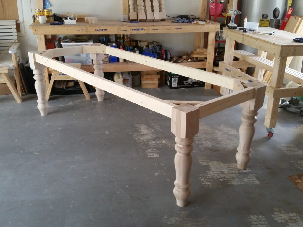 8ft-turned-leg-table (5)